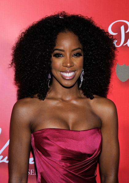 Sensational Black Hair Trend Alert Black Celebs Wearing Curly Weave Short Hairstyles Gunalazisus