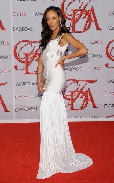 Selita Ebanks Gorgeous In White Herve Leger by Max Azria Gown At The 2012 CFDA Awards