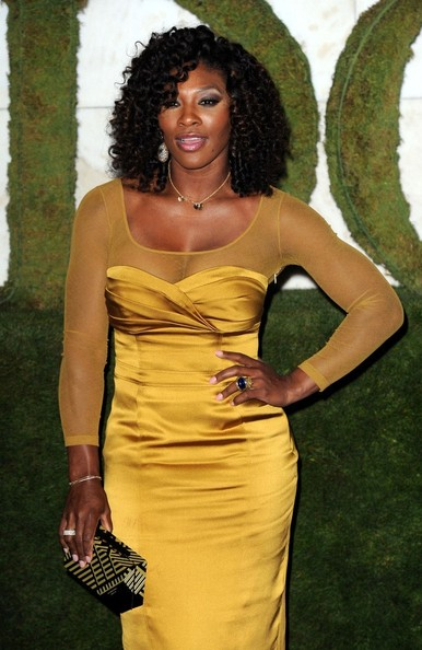 We Re Loving Serena Williams And Her Curly Weave Hairstyle