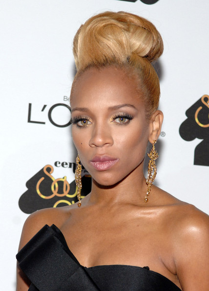 Lil Mama Shows Off New Blonde Hair Color At The 2012 Soul Train Awards
