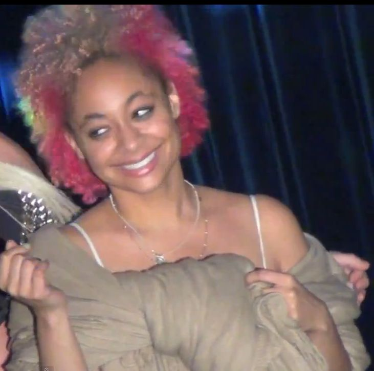 Raven Symone Joins In Two-Toned Trend With Pink and Blonde Hair ...