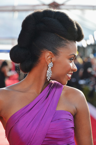 Natural Hairstyles From The Red Carpet – Teyonah Parris Wears Glam Pompadour Updo