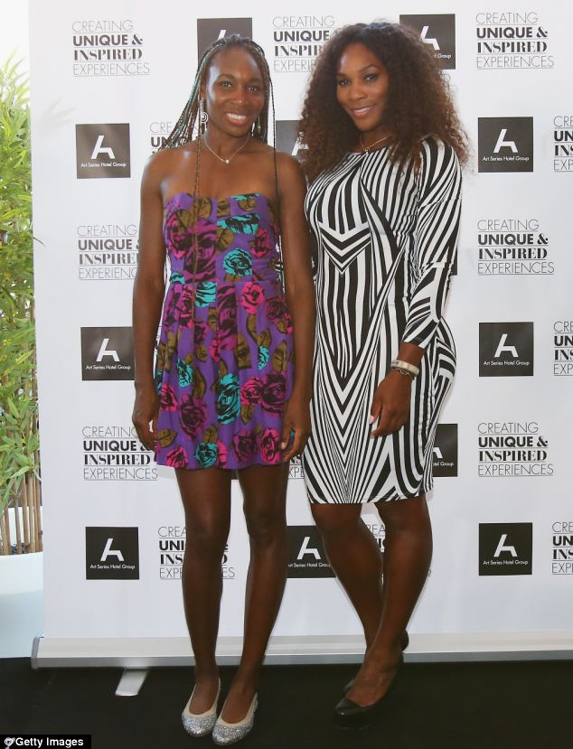 Venus Williams Shakes Up Her Box Braids With Blue Hair Color 3