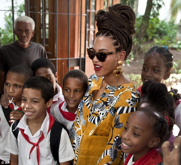 Beyonce Brings Back Box Braids Again 2