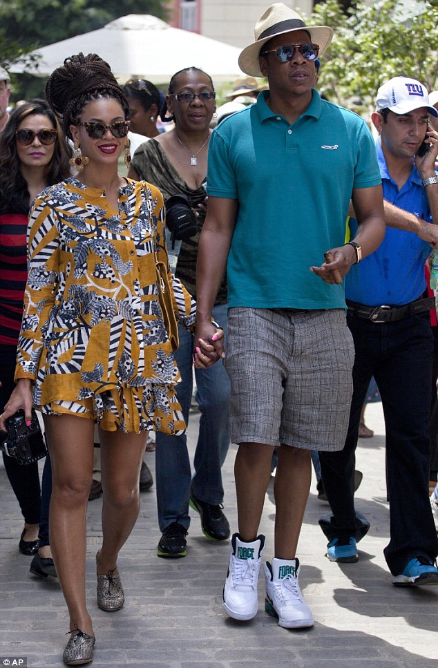 Beyonce Brings Back Box Braids Again….