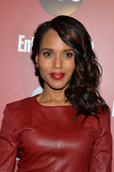 Kerry Washington Flaunts Bronzy Highlights In Her Hair 3