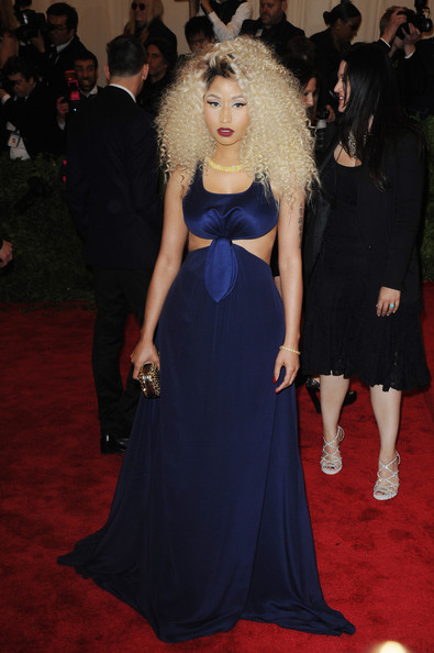 Nicki Minaj Shows Off Tight Curly Hairstyle at The 2013 Met Gala 3
