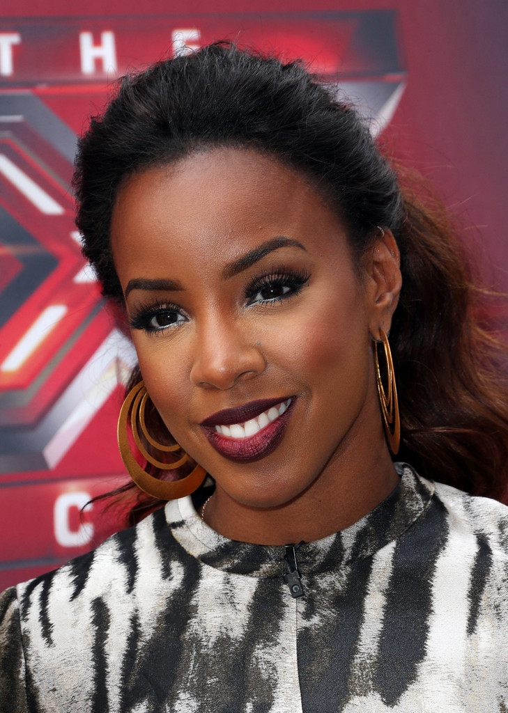 Kelly Rowland With Gorgeous Ombre Ponytail 4