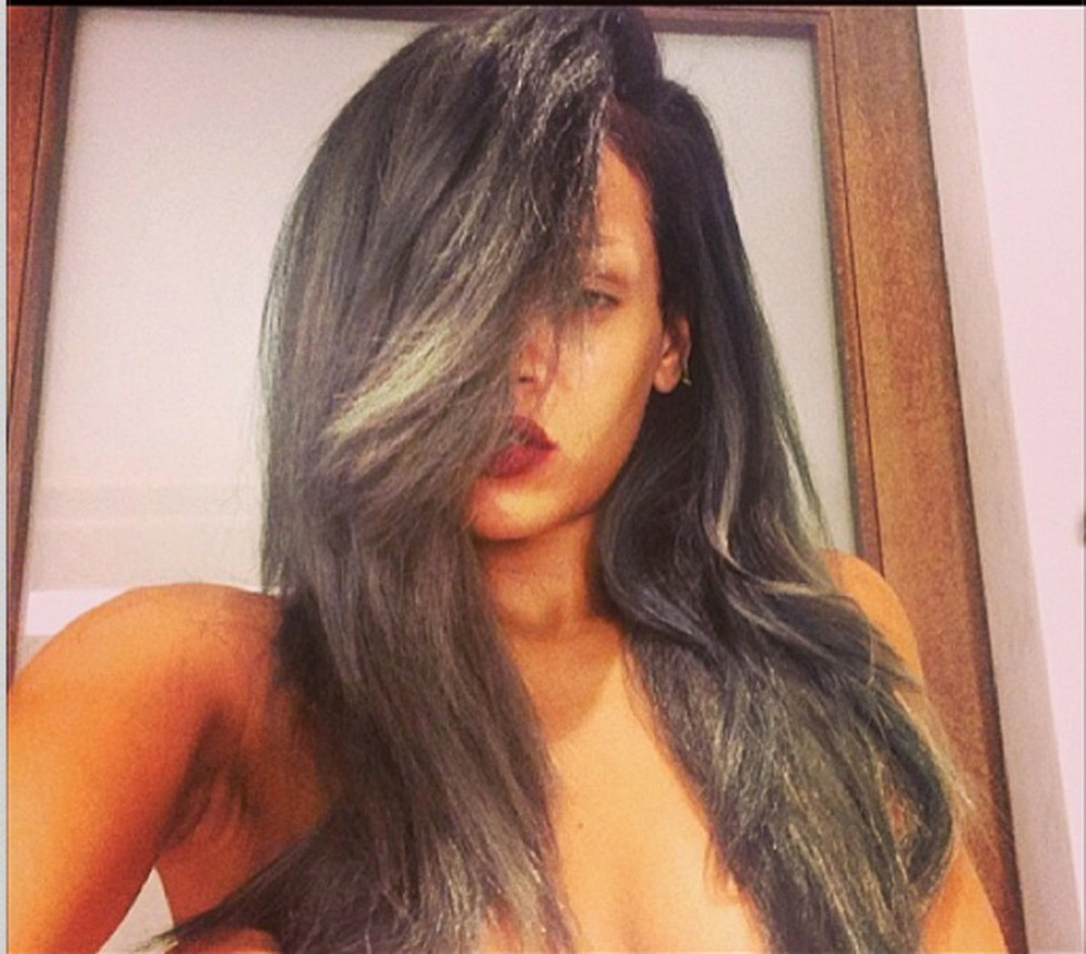 Rihanna's New Gray Hair Color