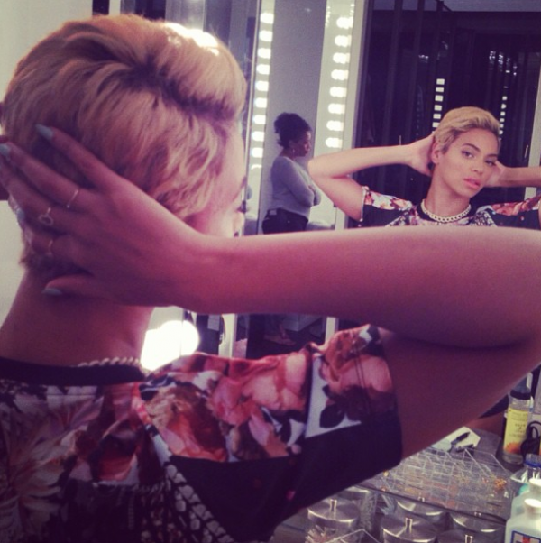 Beyonce Flaunts New Blonde Pixie Cut (Check Out Her New Short Haircut) 3