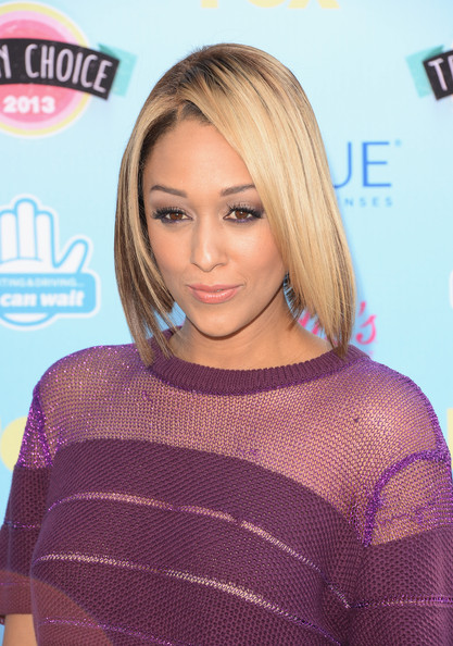 Tia Mowry Turns Her Blonde Hair Into A Bob Haircut