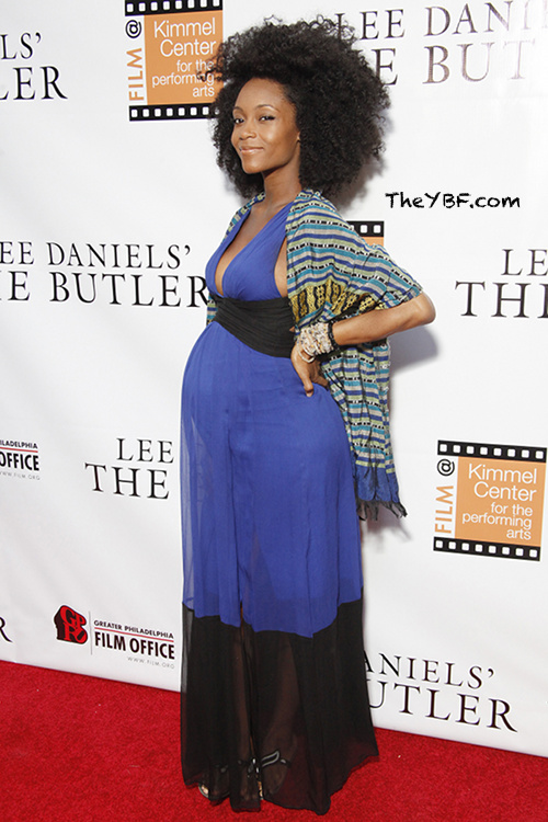 Yaya Dacosta Showss Off Her Baby Bump and Curly Fro 2