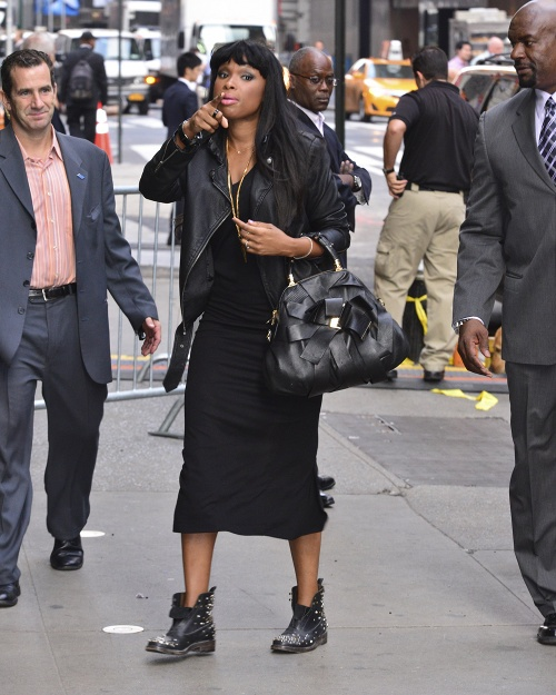 Black Celebrity Style - Jennifer Hudson In All Black Fall Trends