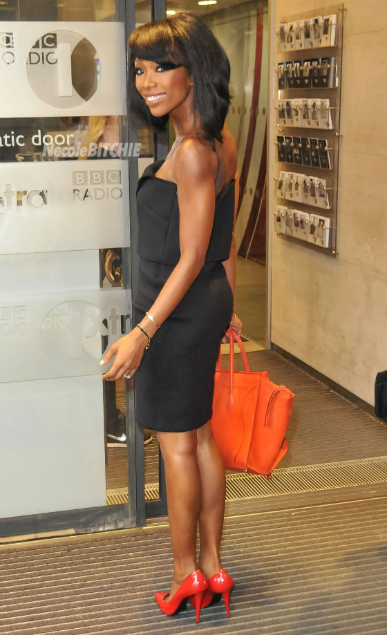 Brandy Stuns With Boucy Bob Haircut 2