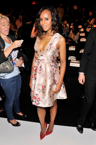 Pretty As A Picture, Kerry Washington In Printed Stella McCartney Dress 2