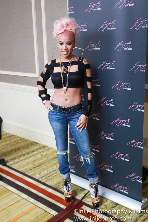Keyshia Cole Shows Off New Light Pink Hair Color 3