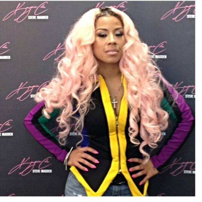 Keyshia Cole Shows Off New Light Pink Hair Color 4