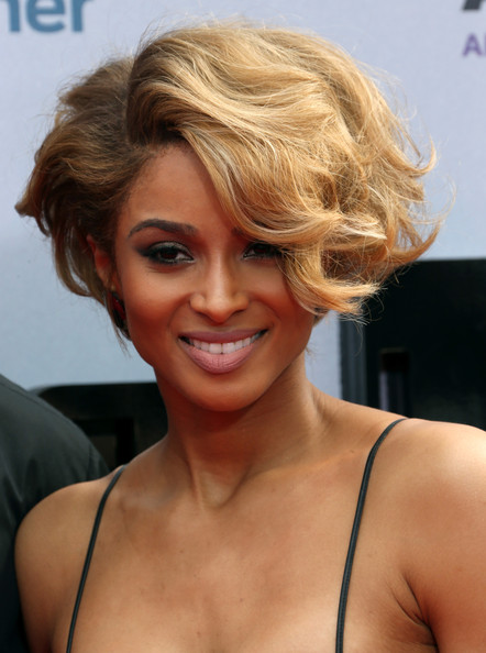 2014 Haircuts Short Hairstyles for Black Women 7