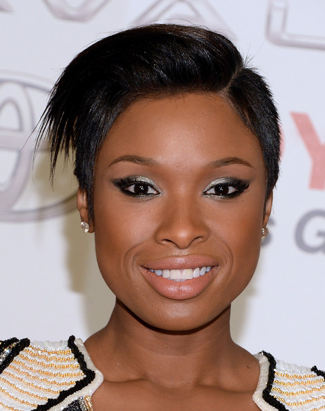 Jennifer Hudson Shows Off Chic New Pixie Haircut