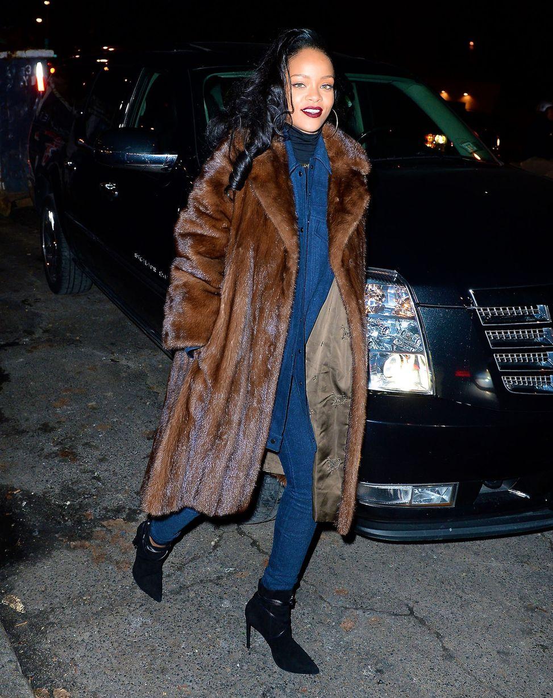 Rhiana Rocks Galmmed Out Fur Coat 3