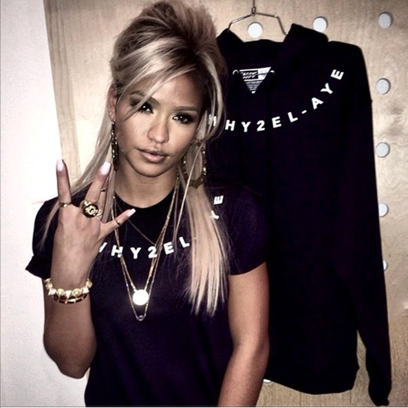 Peep Ashanti's and Cassie's New Blonde Hair Color