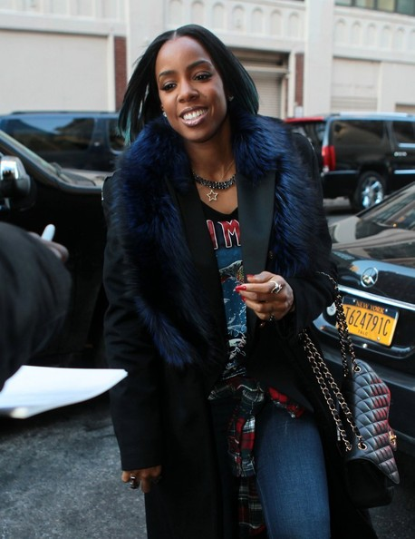 Kelly Rowland Flaunts Bob Haircut With Pop Of Blue Highlights 2