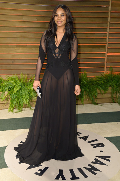 Regina Hall Shows Some Skin and New Highlighted Hair At Vanity Fair Oscar Party 2