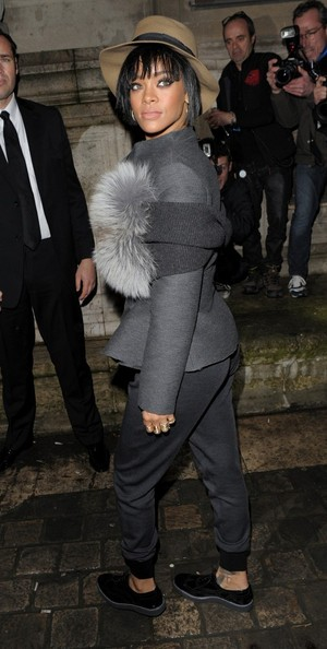 Rihanna Works Paris Fashion Week  10