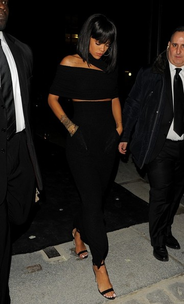 Rihanna Works Paris Fashion Week 5