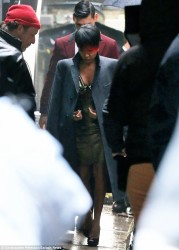 Jada Pinkett Smith Shows Off Red Tipped Ends 3