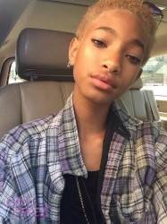 Willow Smith Goes Back To Blonde Haircolor 3
