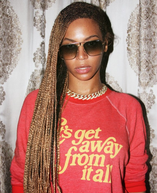 Beyonce Instagrams Knee-Length Box Braid Pics 2