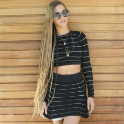 Beyonce Instagrams Knee-Length Box Braid Pics