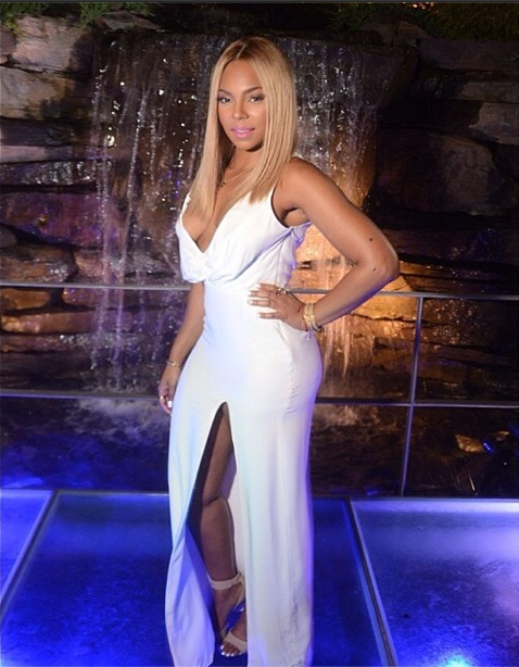 Ashanti's New Hairstyle - Long Blonde Bob 5