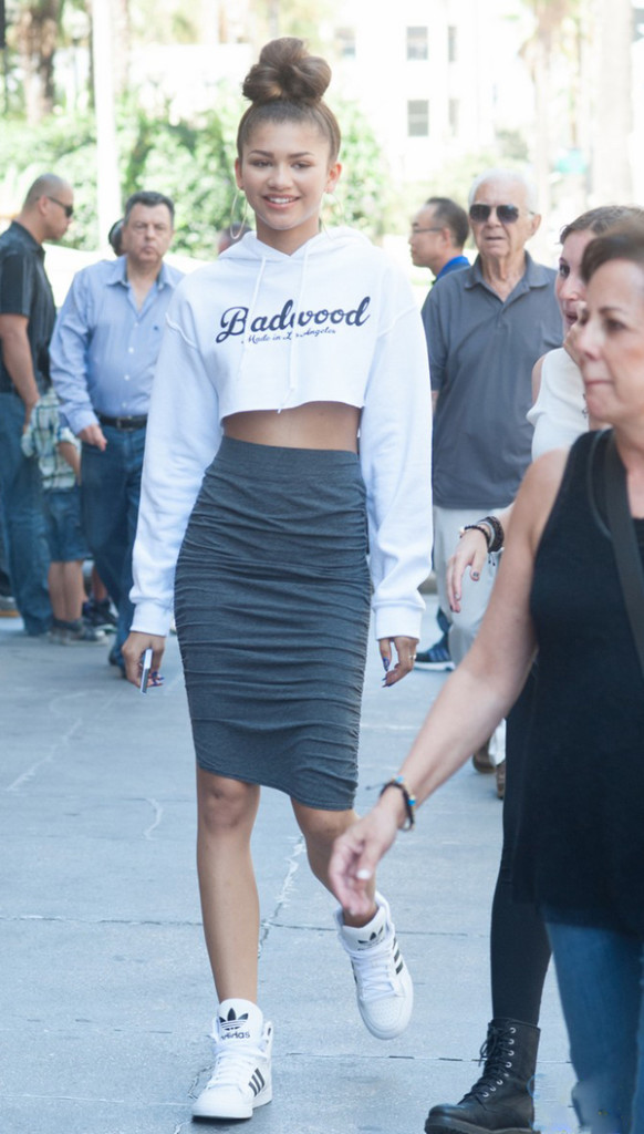 Celebrity Style - Zendaya Rocks Skirt With Sneakers Trend