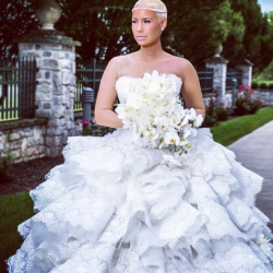 Snapshot - Wiz Khalifa & Amber Rose Show Off First Official Wedding Photos 4