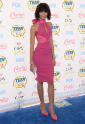 Zendaya Coleman Rocks Chic Bob Wig At The 2014 Teen Choice Awards 4