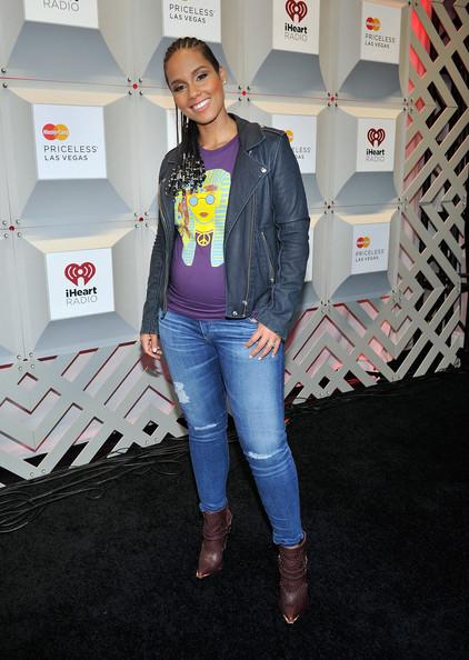Alicia Keys' Pregnancy Style 7