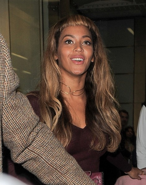 Beyonce Tries Out New Short Bangs Hairstyle 4