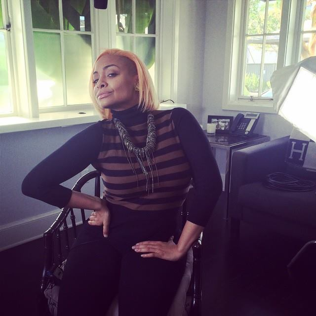 Raven-Symoné Shows Off New Peach Hair Color For the Holidays 2
