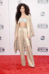 Zendaya Coleman Debuts Curly Hair 2