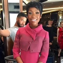 Brandy Tries Out Pixie Haircut Trend 8