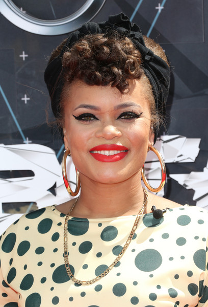 Hairstyles & Makeup Trends From The 2015 BET Awards 11