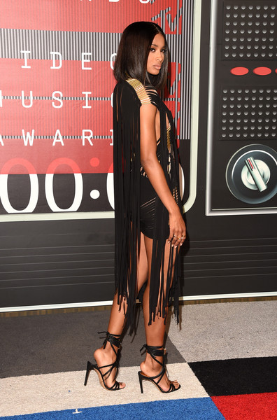 Ciara Debuts Sultry Lob At 2015 MTV Video Music Awards 4