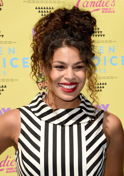 2015 Homecoming Hairstyles for Black Women 5