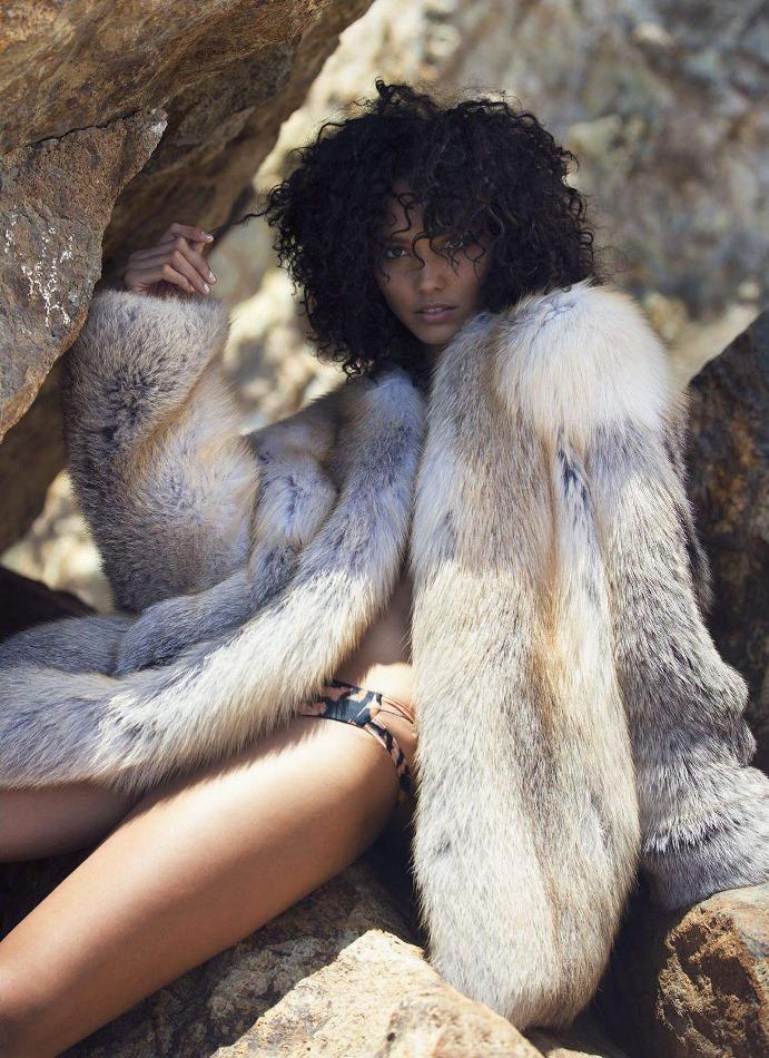 Cora Emmanuel Flaunts Her Curls for ELLE Magazine November 2015 Issue 3