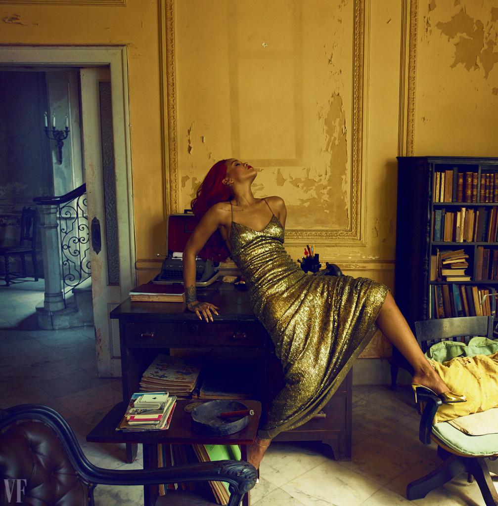 On The Cover - Rihanna for Vanity Fair November 2015 Issue  3