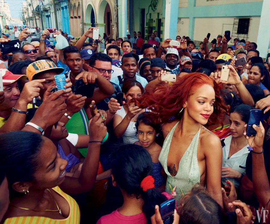 On The Cover - Rihanna for Vanity Fair November 2015 Issue  4