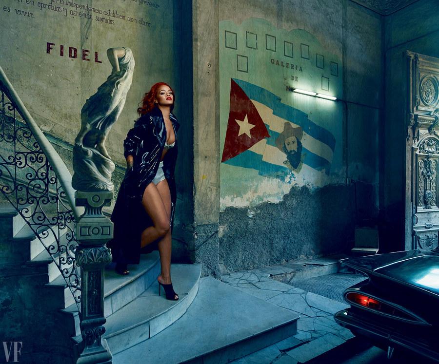 On The Cover - Rihanna for Vanity Fair November 2015 Issue  5