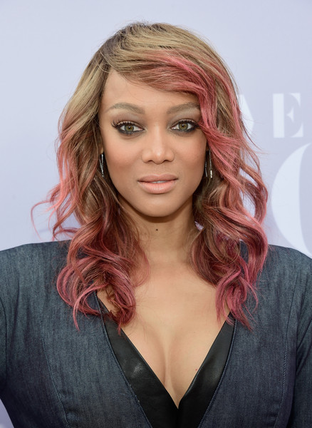 Tyra Banks Brings Back Pink Dipped Dyed Ends Trend